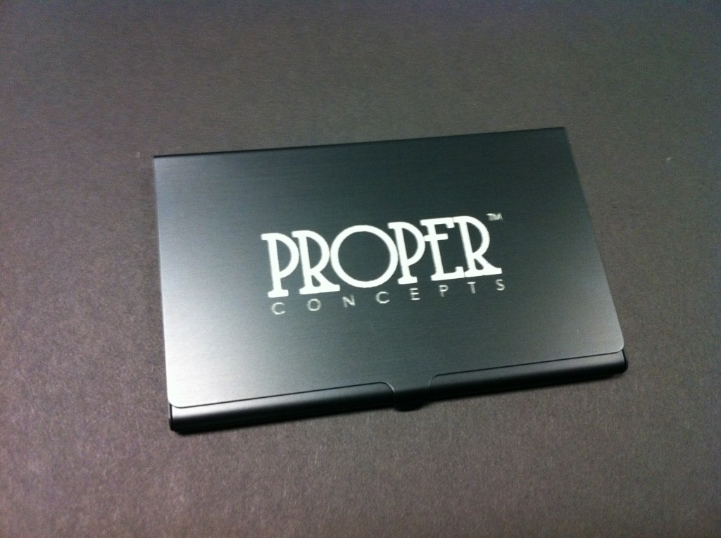 metal_anodized_business_card_holder_engraving_custom_personolized