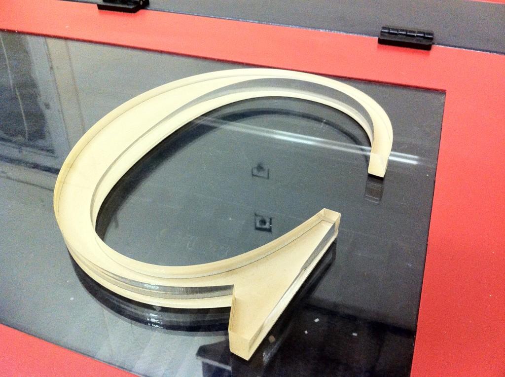 3_4_thick_clear_acrylic_cutting_NYC_Laser-CutZ_Brooklyn_plexi_glass