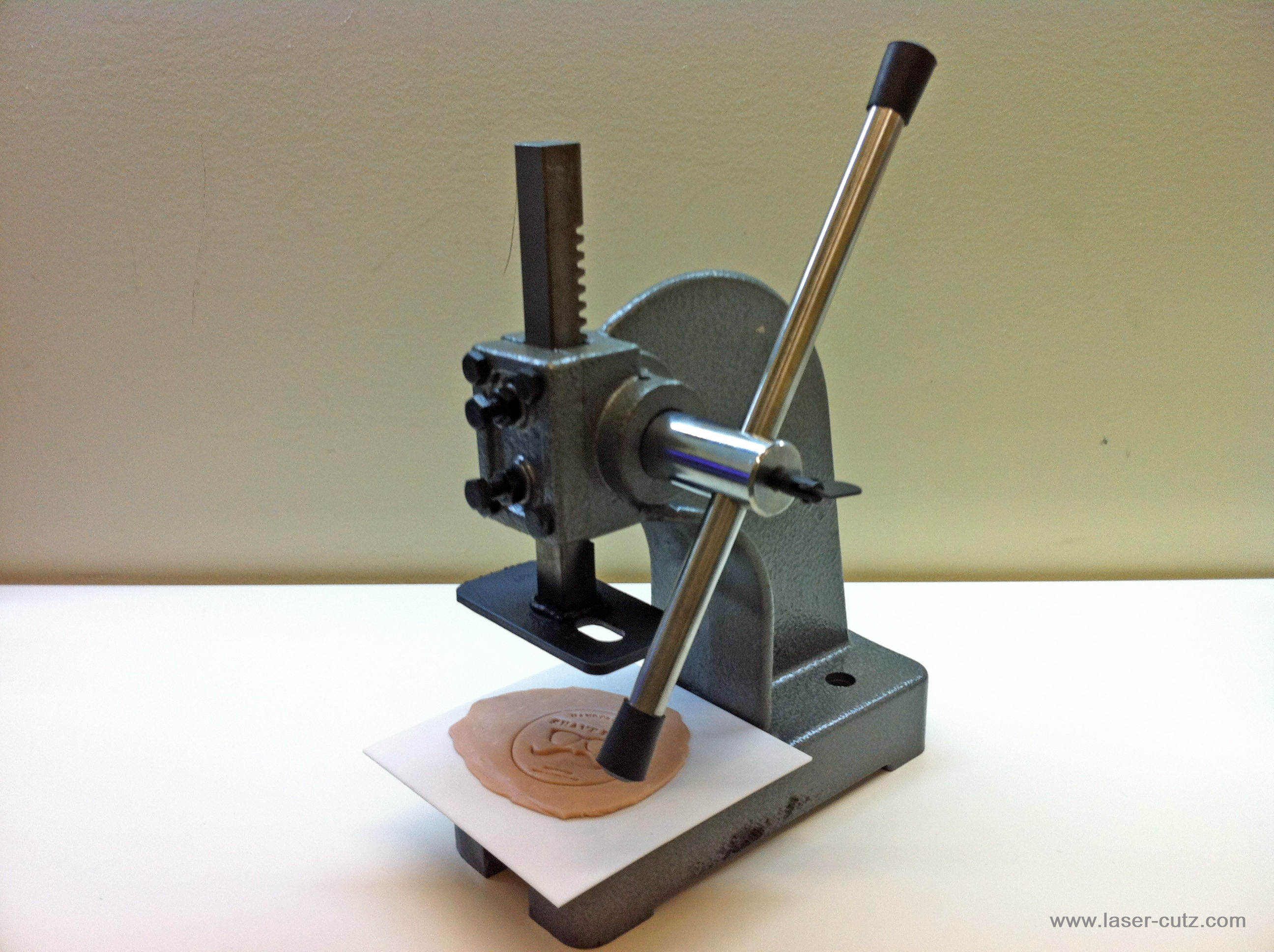 Laser cutz custom soap logo imprint press machine for Metal stamping press for jewelry