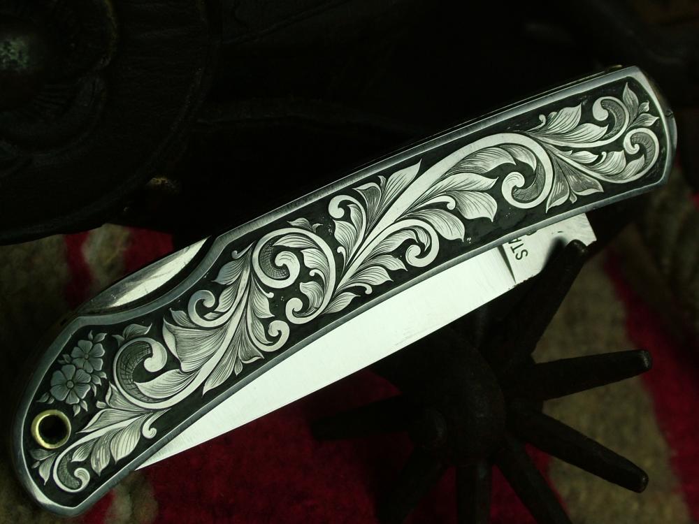 knif metal engraving